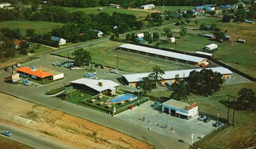 Aerial View of Hinton's Motor Lodge Dallas