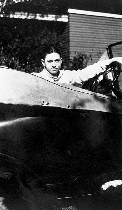 clyde-barrow_car_1926_utsa