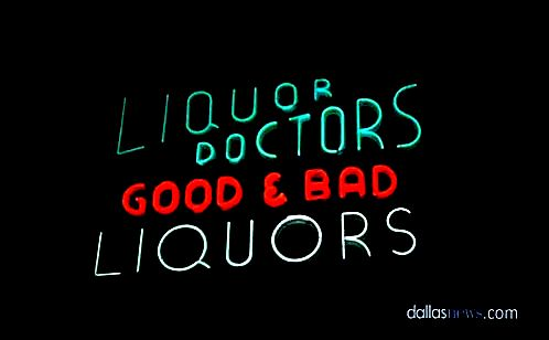 liquor-doctors_neon-sign_dmn-video_1939