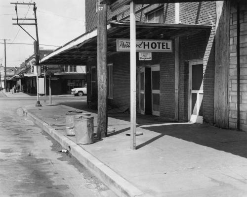 hotel_pearl_1959_portal