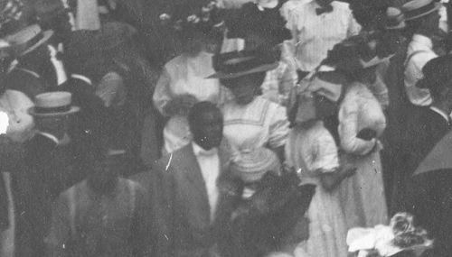 parade-day_1909_det7