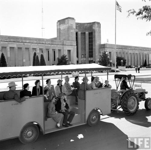 fair-park_tour_life_1951