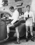 male-carhops_AP_1940_lg