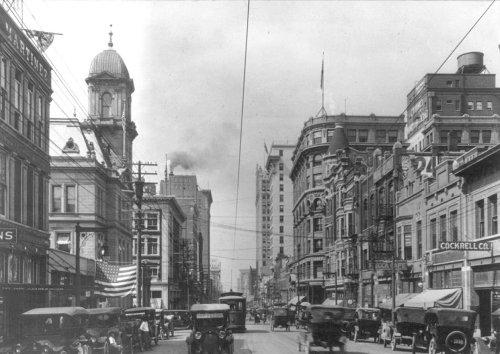 downtown_ca1917_LOC