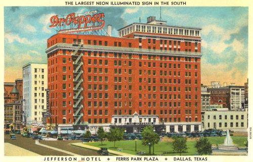 hotel-jefferson_neon-dr-pepper_cook_degolyer_ca1945