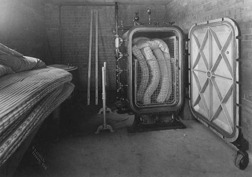 st-pauls_mattress-sterilization-room_1910_utsw