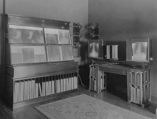 st-pauls_xray-room_1910_utsw