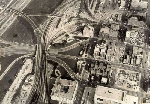 dealey-plaza-aerial_c1966_baylor