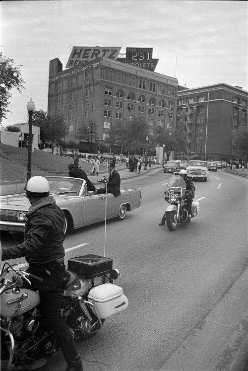 jfk_secret-service-reenactment_dth_112763b