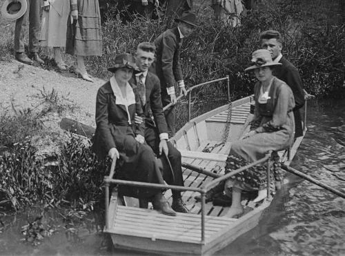 smu_omega-phi_exall-lake_1917_degolyer-det2