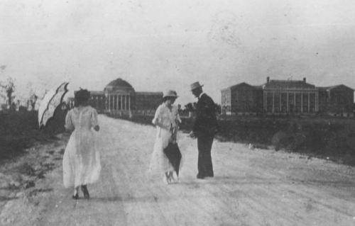 smu_parasols_1917_degolyer