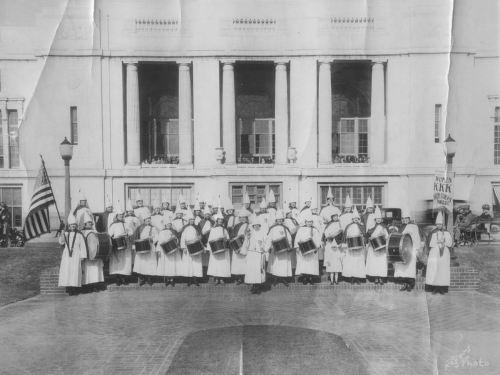 kkk-women_1920s_cook-degolyer