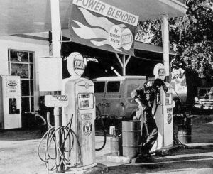 butchers-cosden-service-stn_ndhs_1963-yrbk-photo