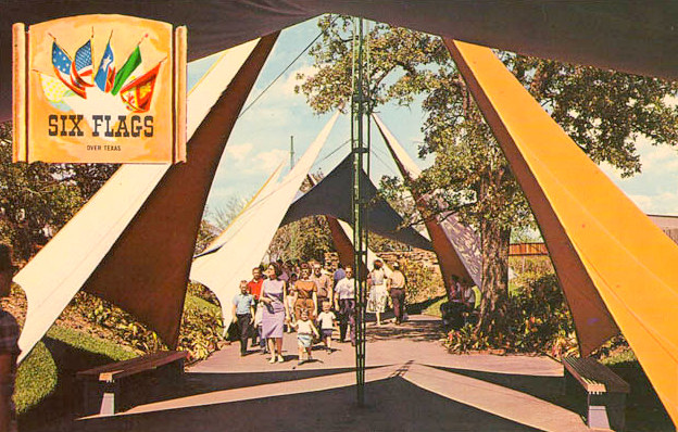 Six Flags: The Mexican Section — 1961 | Flashback : Dallas
