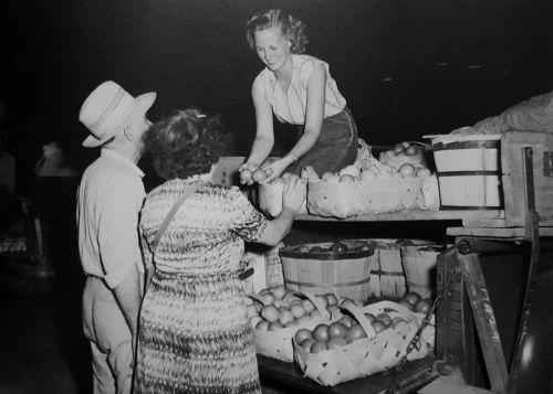 farmers-market_1951_DPL