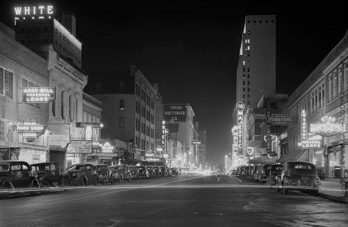 rothstein_elm-street_jan-1942_loc_lg