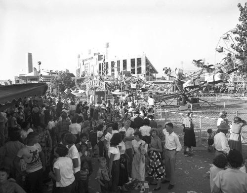 state-fair_midway-cotton-bowl_squire-haskins_ca_1950_uta