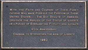 statue-of-liberty_fair-park_plaque_flickr_aringo