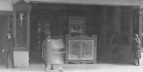 palace-theatre_melting-pot_march-1926_uta_det2