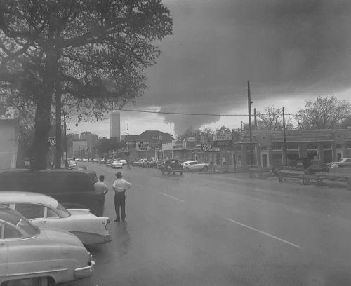 tornado_live-oak_040257_rusty-williams_dpl