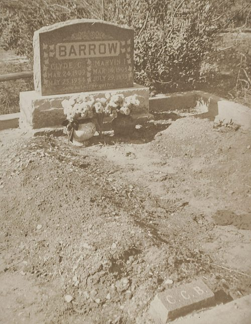 clyde-barrow_grave-marker_rr-auction_june-2017