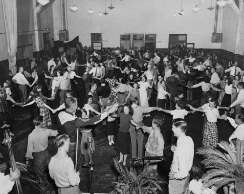 square-dance_la-reunion-place_squire-haskins_dallas-municipal-archives