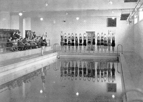 ndhs_pool_class_1923-yrbk