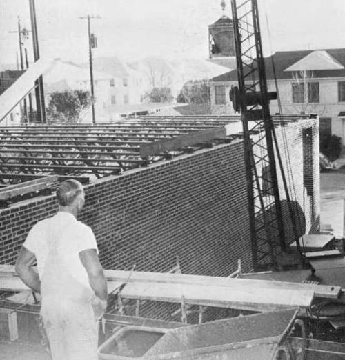 HPHS_1966_boys-gym-construction_b