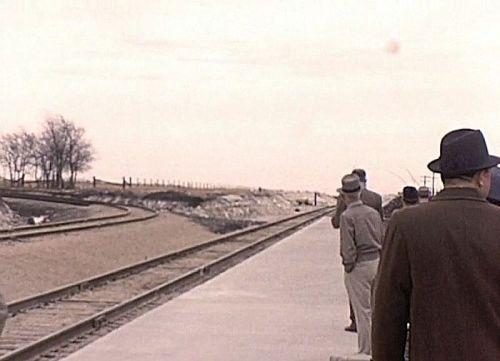 white-rock-station_track_portal