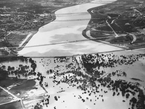 flooding-levee-district-from-forest-ave_lloyd-long_052035_ebay