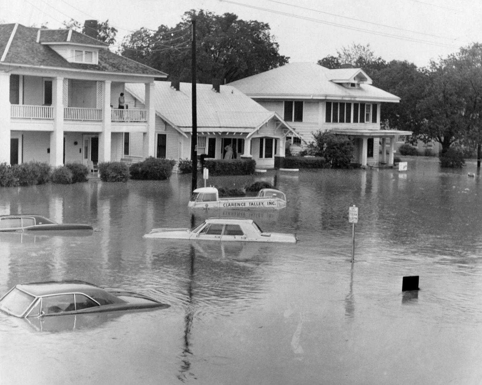 flood_flooding_gaston-avenue_ebay