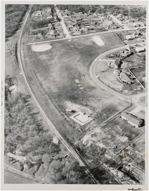 casa-linda_aerial_baseball-diamond_squire-haskins_1954_dallas-municipal-archives_portal