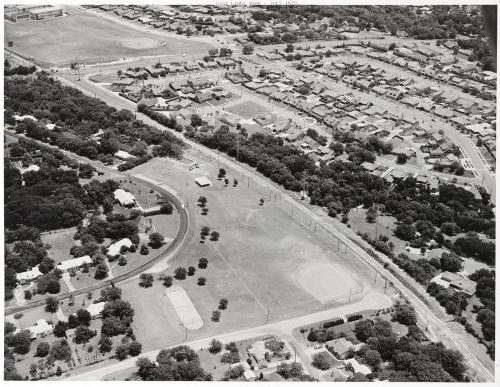casa-linda_aerial_baseball-diamond_squire-haskins_july-1970_dallas-municipal-archives_portal