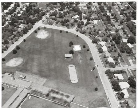 casa-view-elementary_park_aerial_squire-haskins_aug-1974_dallas-municipal-archives_portal