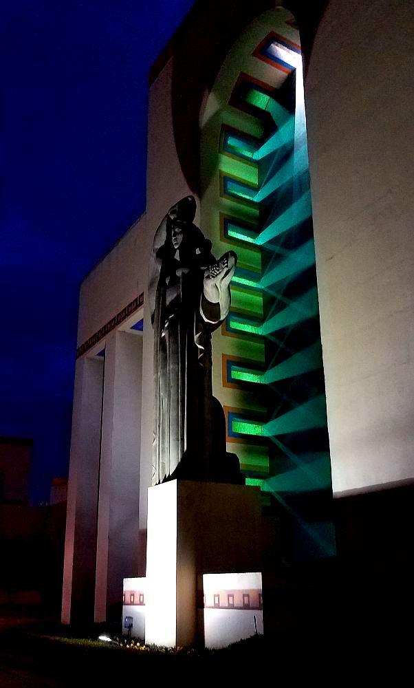 xmas-esplanade_121918_france_night_side_paula-bosse