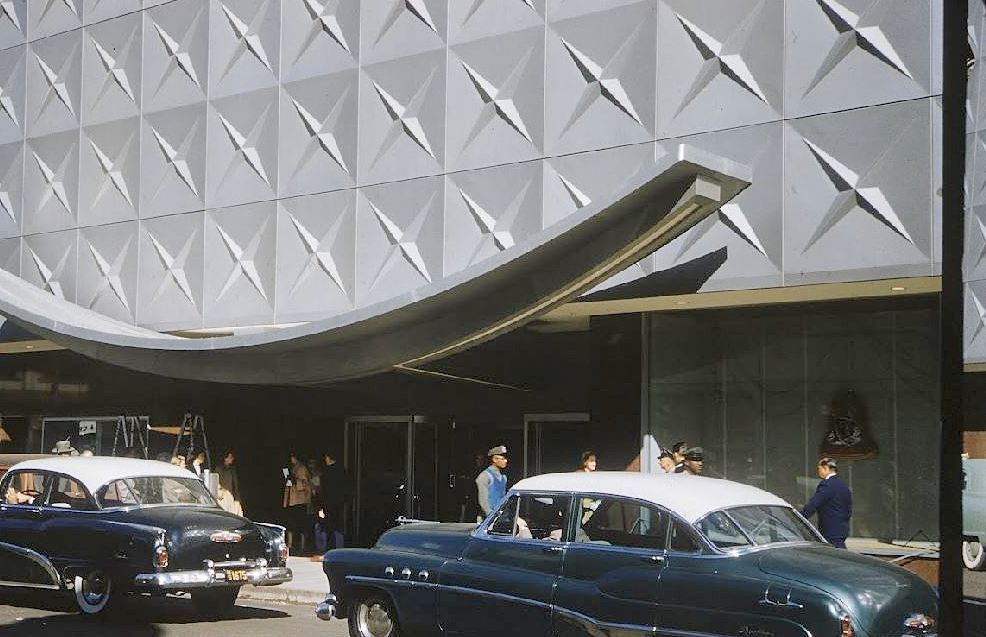 republic-national-bank_entrance_life-mag_1955