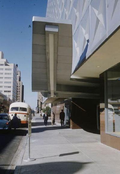 republic-national-bank_sidewalk_1954_color_life-mag