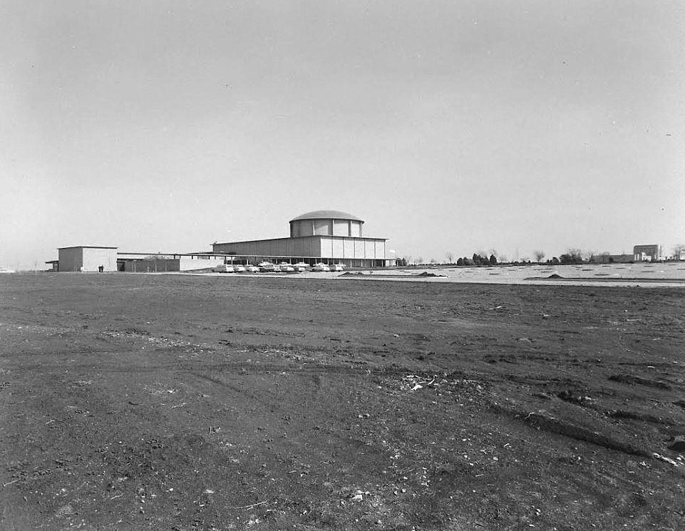 temple-emanu-el_life-mag_1957