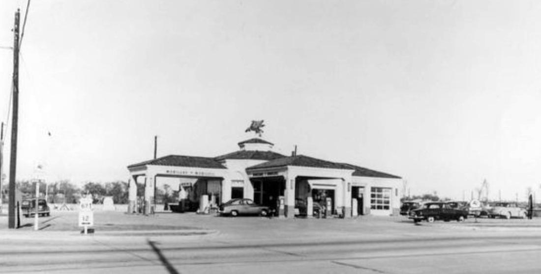 casa-linda_mobil-gas-station_BA-cougars_pinterest