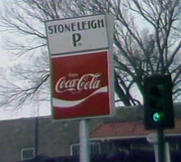stoneleigh-p-fire_012680_ch-5-news_portal_sign