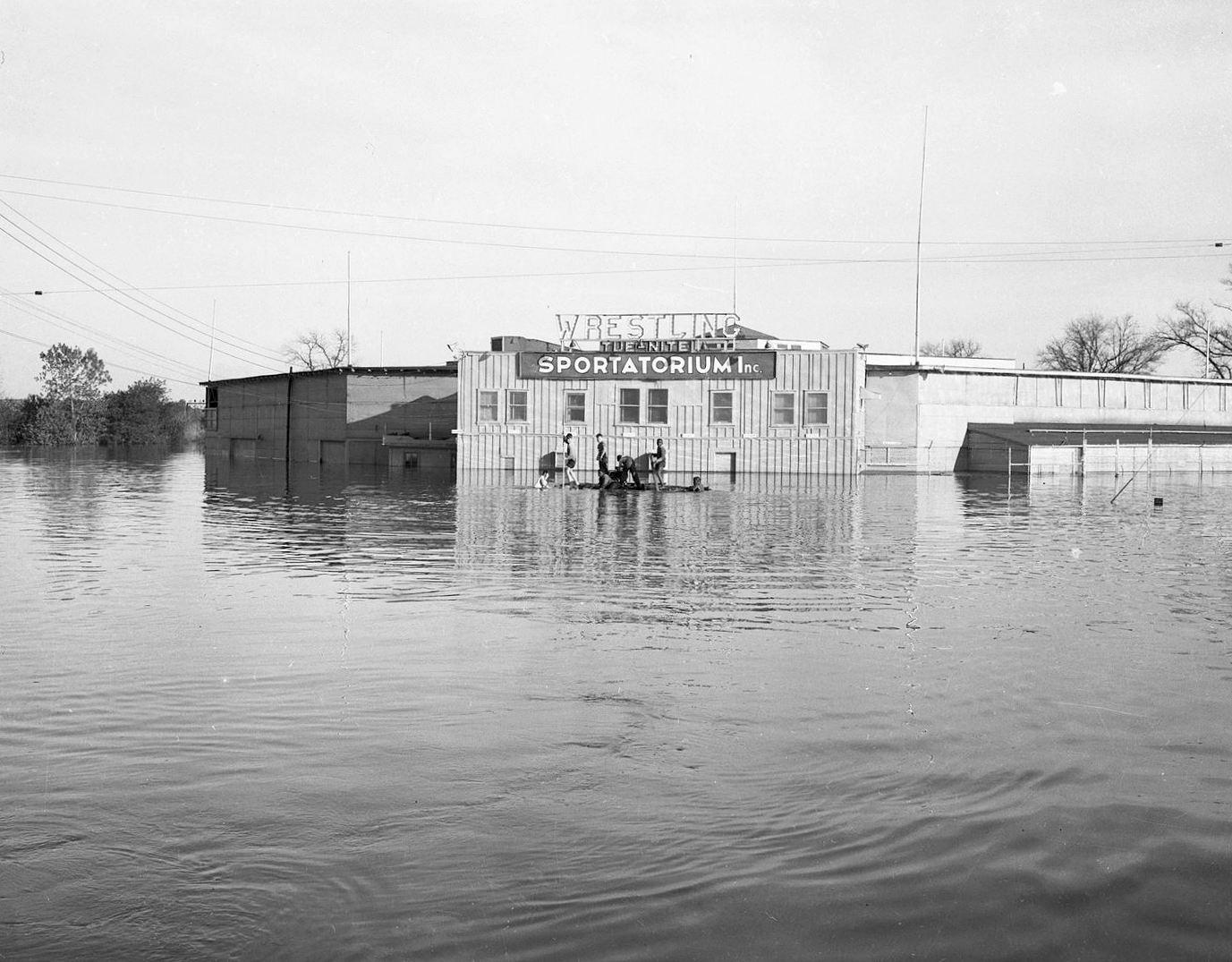 sportatorium_flood_squire-haskins_UTA_boys-1