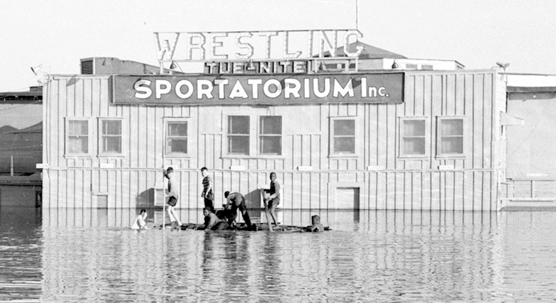 sportatorium_flood_squire-haskins_UTA_boys-1_det