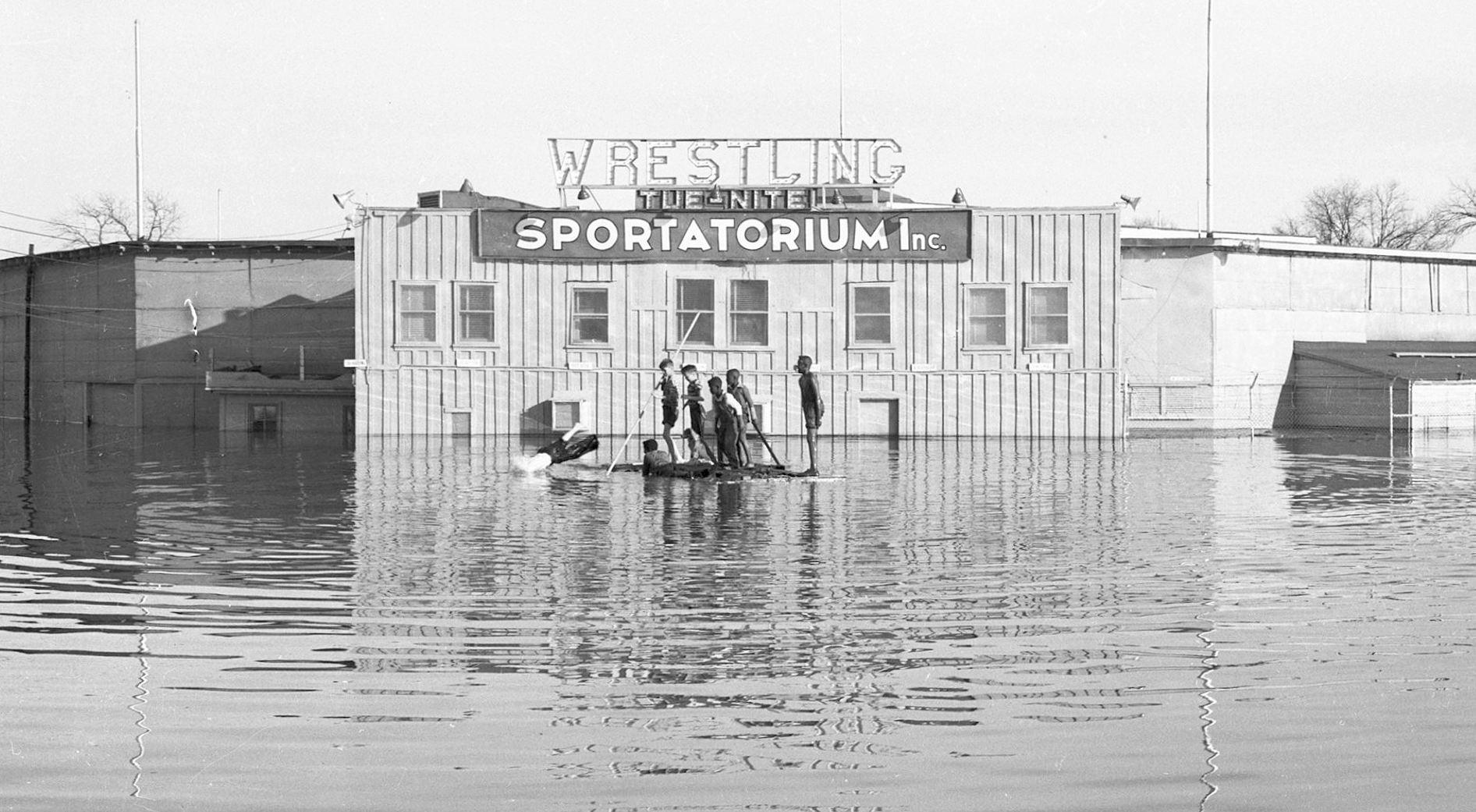 sportatorium_flood_squire-haskins_UTA_boys-2_det