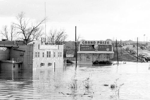 sportatorium_flood_squire-haskins_UTA_no-boys_det