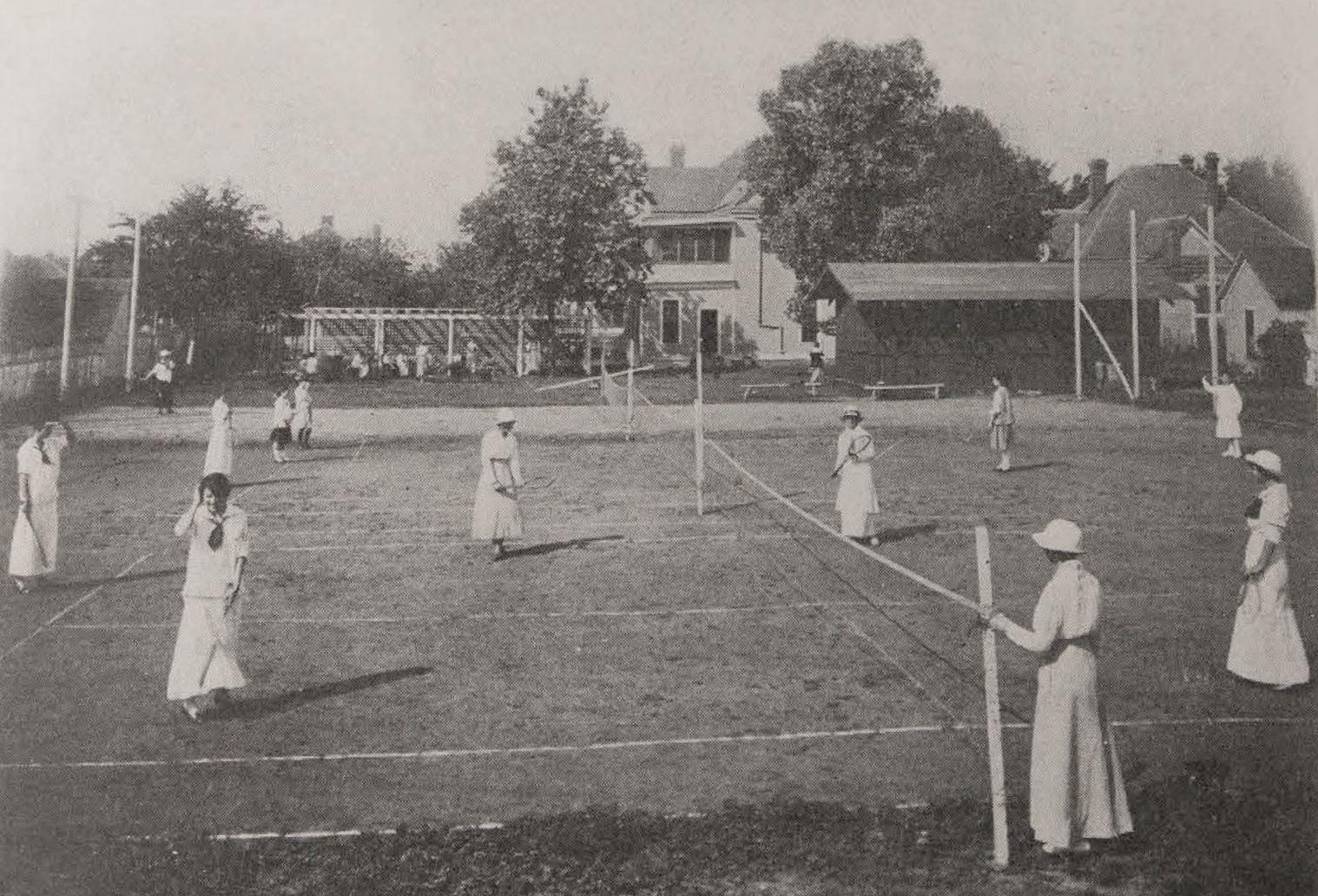 dallas-educational-center_hockaday_tennis_ca-1916_degolyer-library_smu