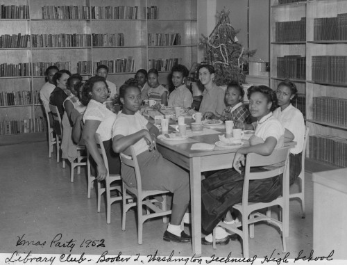 booker-t-wash_xmas-party_1952