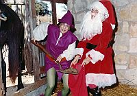 xmas_ann-richards_betty-mckool_1973_det_sm