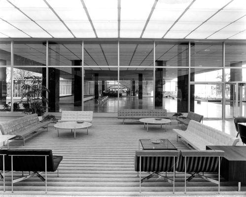 southland-ctr_john-rogers_1959-60_portal_floor-lobby