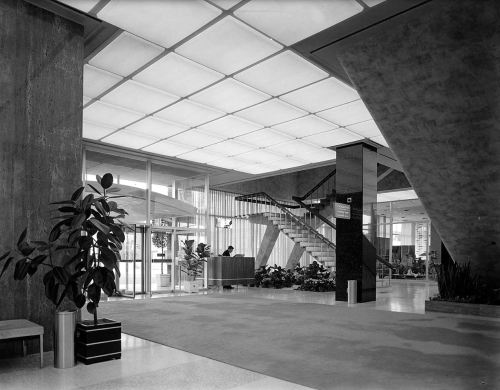 southland-ctr_john-rogers_1959-60_portal_interior-lobby_stairs