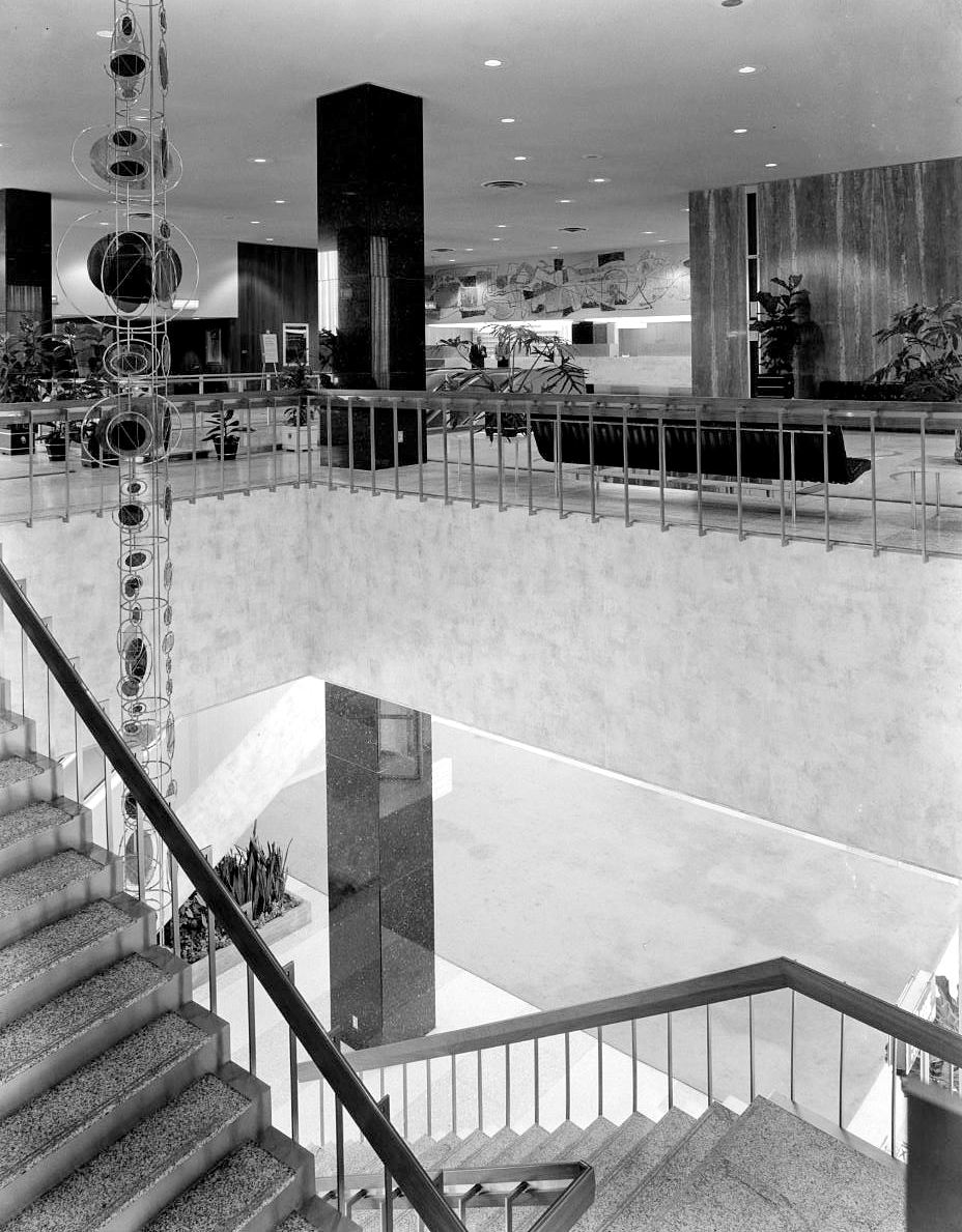 southland-ctr_john-rogers_1959-60_portal_interior-with-stairs